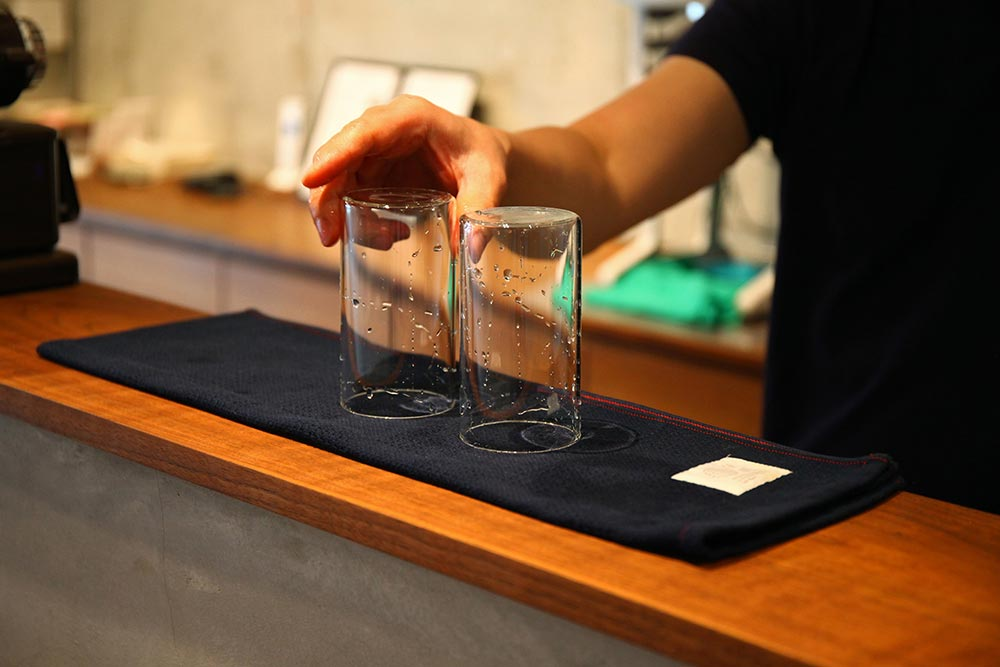 暮らしを楽しむ人とタオル 04 Café ひなのや 松山店 店内  「nonpile」使用
