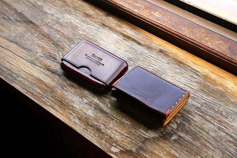 上田沙耶さん愛用の財布と名刺入れ